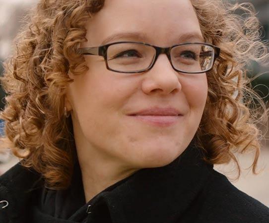 Dr. Julia Verlinden